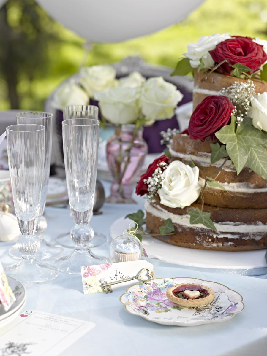 Mit alice im wunderland eine zuckers e tea party feiern for Baby shower ideen