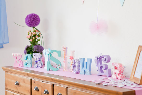 Baby shower dekoration in pastell hellblau rosa lavendel for Dekoration babyparty