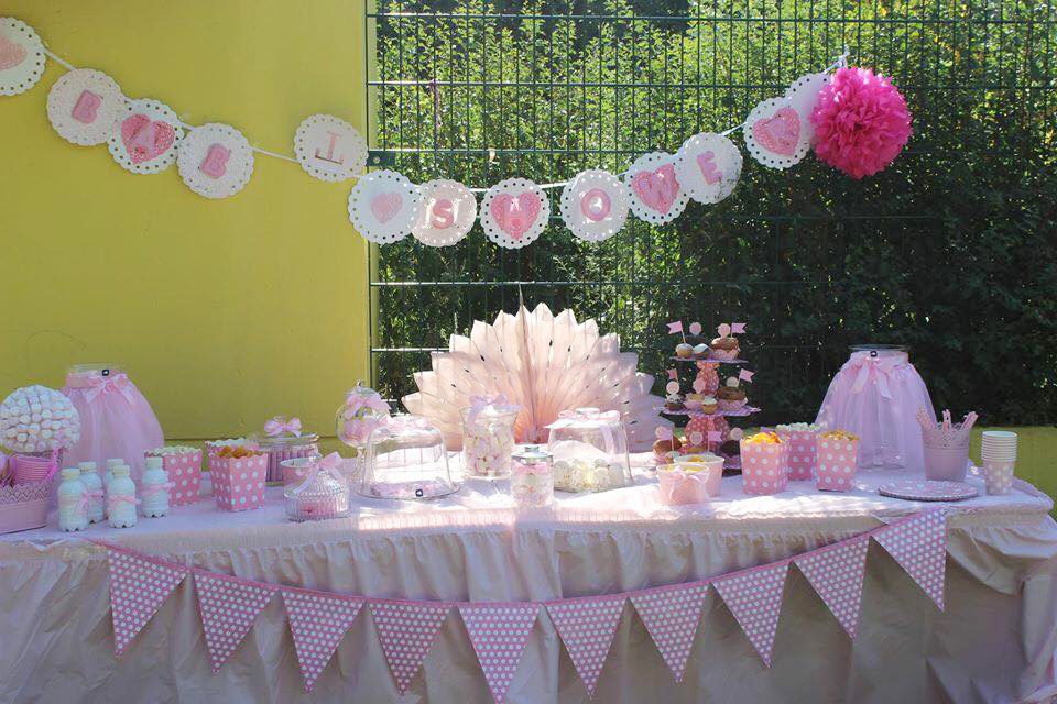 Punkt f r punkt s e baby shower in rosa baby belly for Party tischdeko