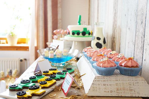 Traktor Kekse, Schweinchen Cake Pops, Bauernhof Torte