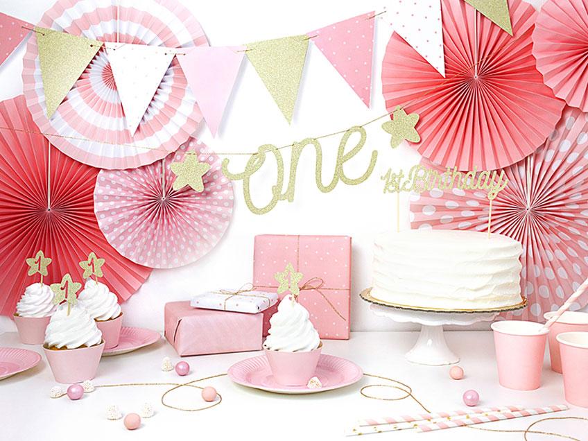 Klassische Deko in Rosa zum 1. Geburtstag