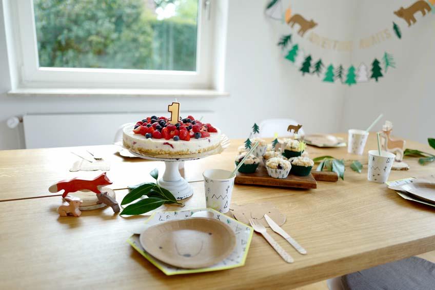1. Geburtstag - Deko mit Bären- & Naturmotto für kleine Entdecker (c) Mamigurumi