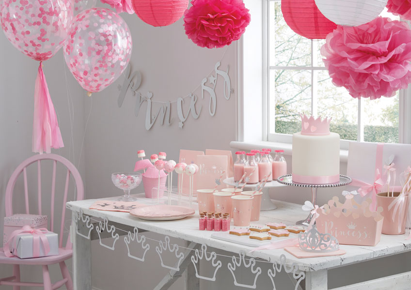 """Der rosa Sweet Table steht unter dem Motto """"Prinzessin"""""""