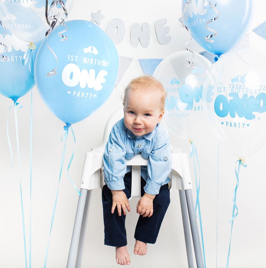 Geburtstagsballons und Girlanden - im Deko-Set für den 1. Geburtstag ist bereits alles für dich drin