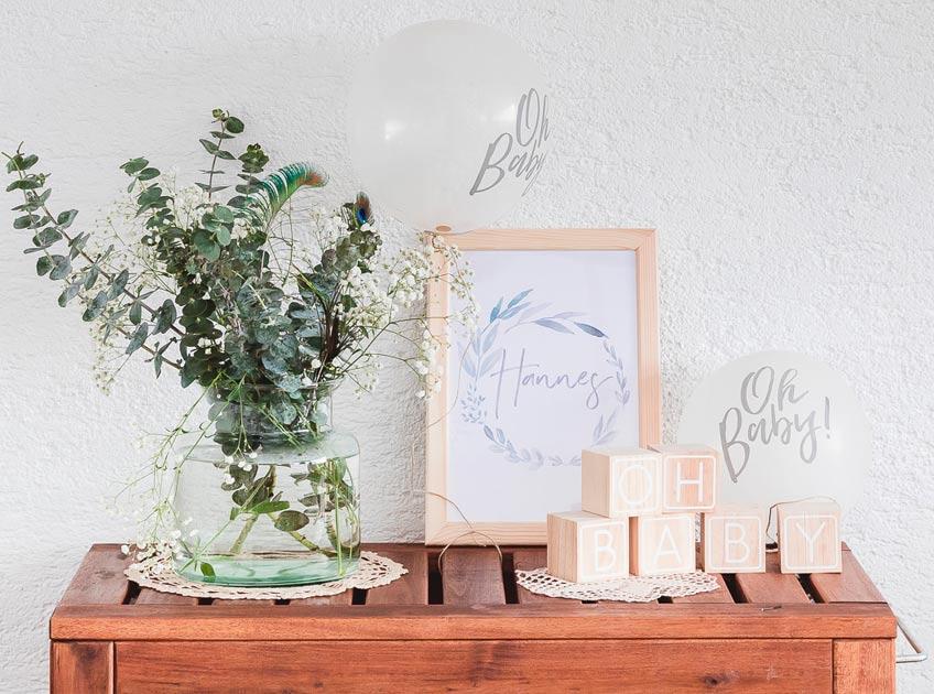 Originell & dekorativ: Holzwürfel lassen sich wunderbar von Babyparty-Gästen beschriften © juliafashionblonde