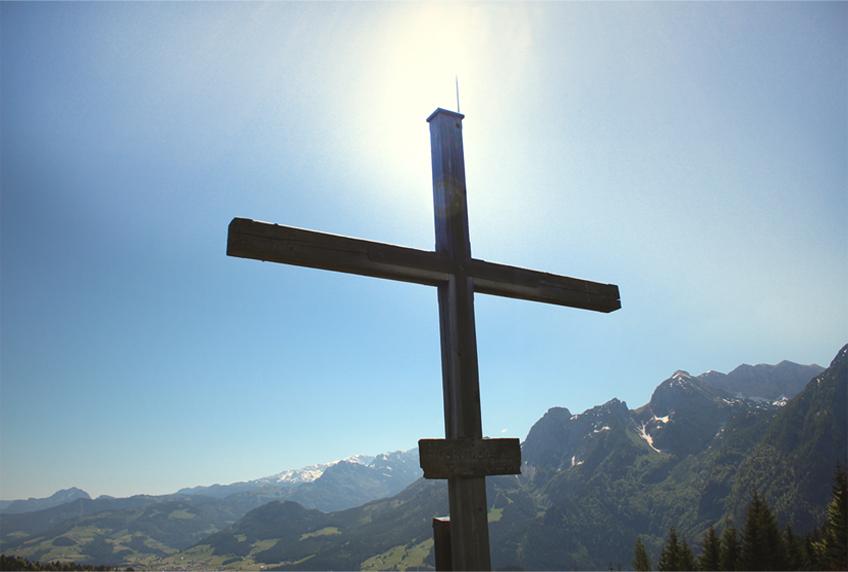 Patenversprechen am Gipfelkreuz - eine wundervolle Erinnerung für Familie und Freunde des Täuflings