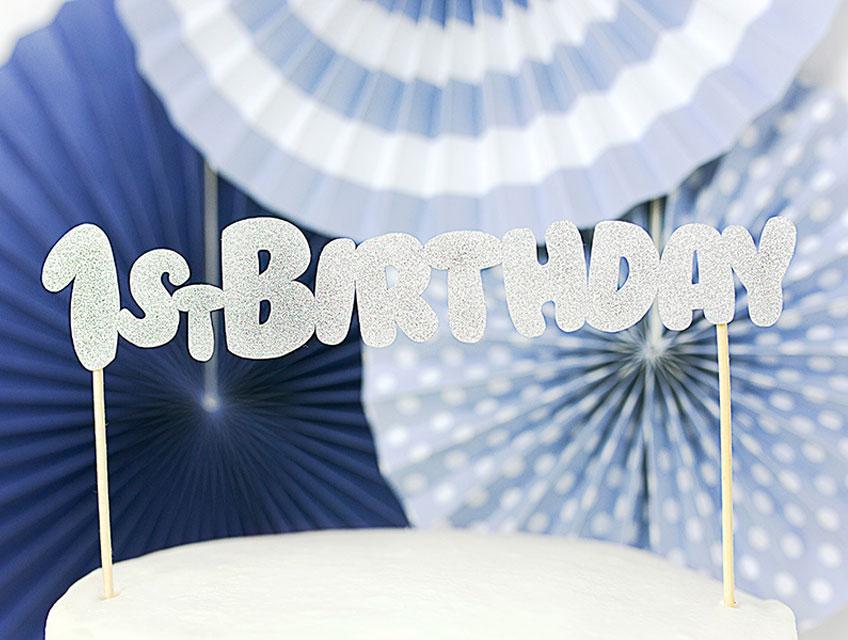 Glitzernde Cake Topper peppen deine Geburtstagstorte schnell und einfach auf