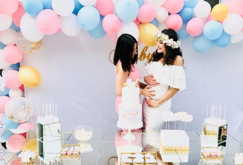 Babyparty in klassischem Rosa und Blau mit edlen Goldelementen © danny_lishes