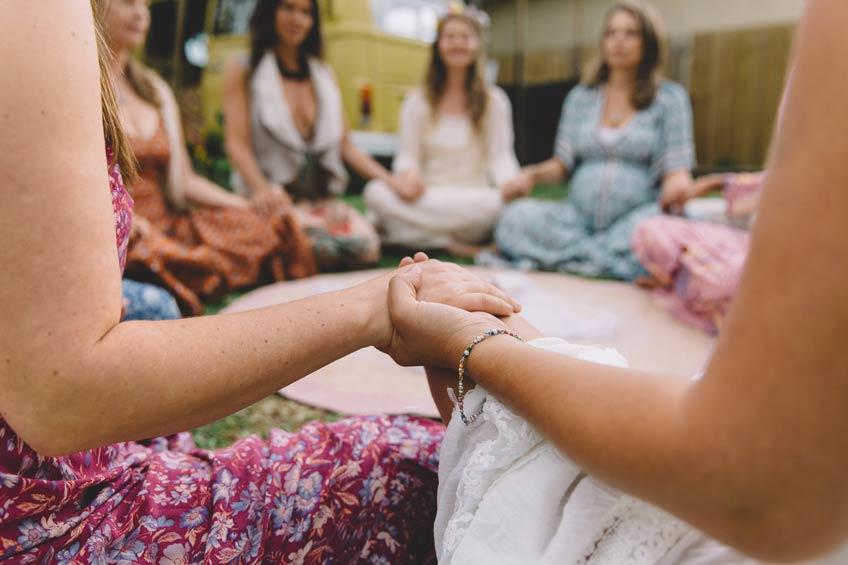 Mama Blessing Rituale stärken den Zusammenhalt (c) sistersandthesea.com