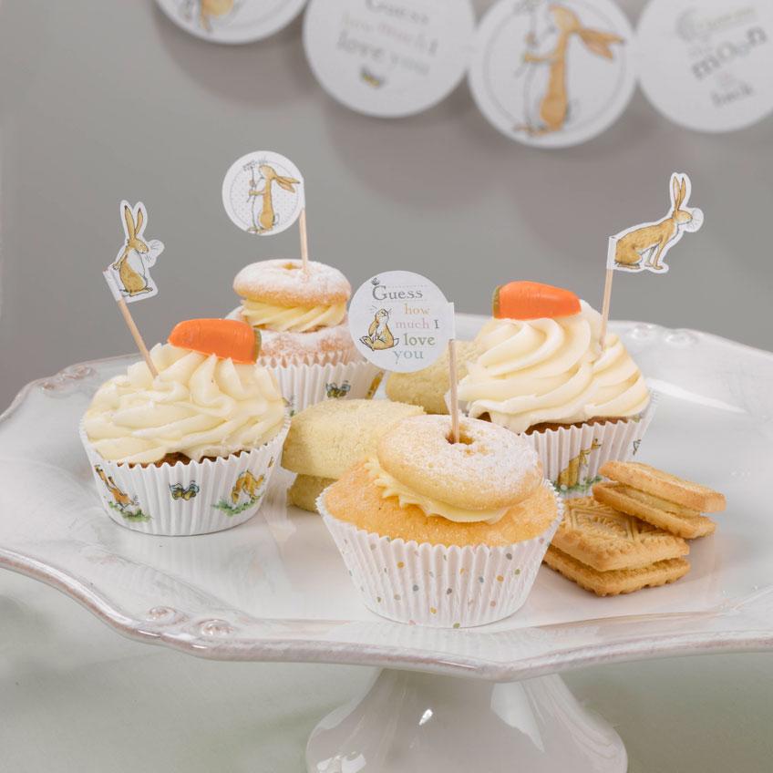 "Süße Cupcake-Picks mit Motiven aus dem Kinderbuch ""Guess how much I love you"""