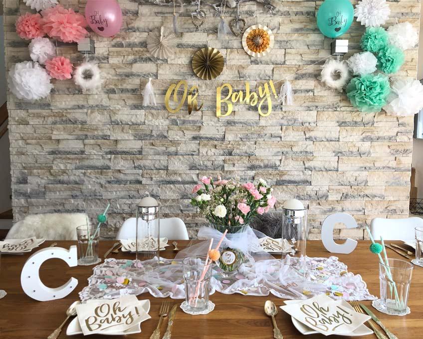 Gold und Weiß als Verbindung deiner Babyparty-Konstrastfarben Rosa und Mint © c.loves.c