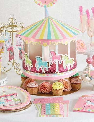 Bezaubernde Karussell-Pferde und schöne Pastellfarben zum 1. Mädchengeburtstag