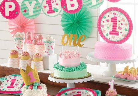 Dekoriere in kräftigen Farben: Pink & Mint für den großen Tag deiner Tochter