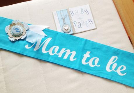 Überrasch die Bald-Mama zur Babyparty mit süßer Schärpe & Gästebuch