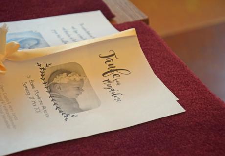 Schöne Idee für die Taufe: ein selbst gestaltetes Taufheft ist eine tolle Erinnerung an den großen Tag
