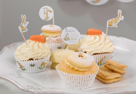 "Süße Cupcake-Picks mit Motiven aus dem Kinderbuch ""Guess how much I love you"""