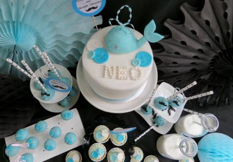 Walmotive, kleine Schnurrbärte und blaue Babyfüße für den Babyboy-Sweet-Table