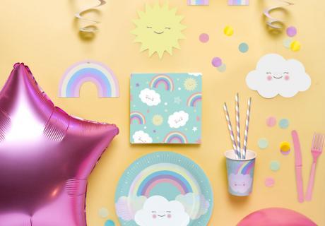 1. Geburtstags-Deko für lebensfrohe Kinder mit Regenbogen und Wolke