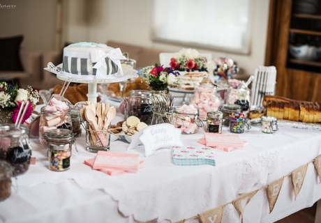 Fantastischer Sweet Table im Landhaus-Look