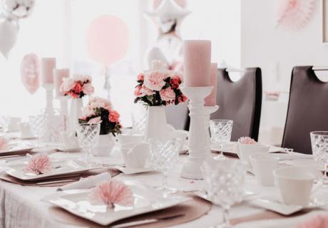 Tischdekoration auf der Babyparty in Rosa & Weiß (c) Anna Fichtner Fotografie