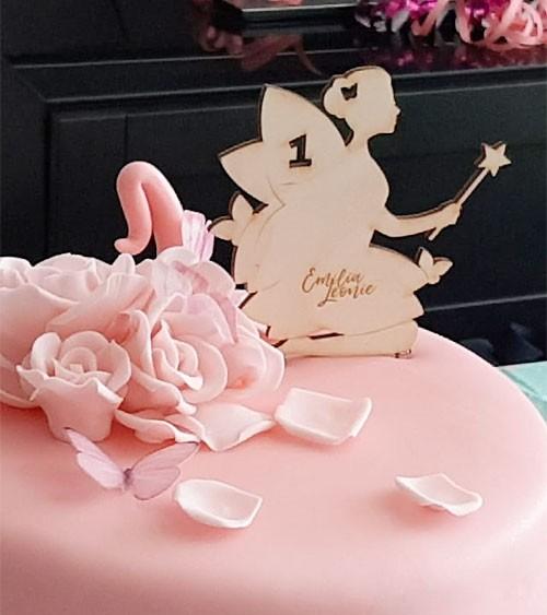 """Dein Cake-Topper """"Fee"""" aus Holz - Wunschtext"""