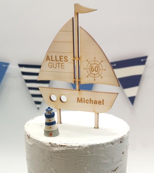 """Dein Cake-Topper """"Segelboot"""" aus Holz - Wunschtext"""