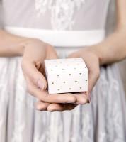 Gastgeschenkboxen mit goldenen Herzen - weiß - 10 Stück