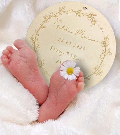 Geburtsschild aus Holz mit Wunschgravur - 12 cm