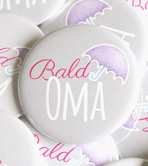 "Button ""Bald Oma"" - pink - 56 mm"